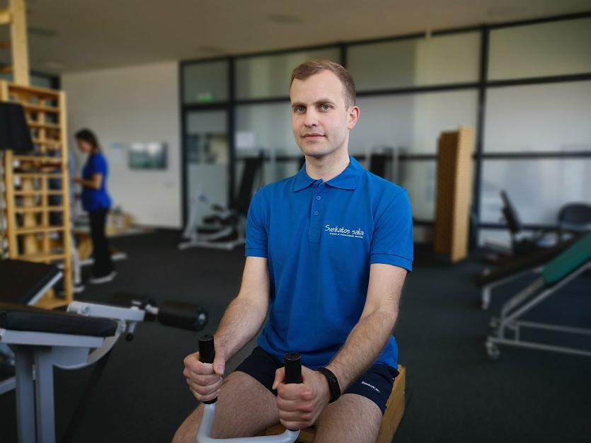 """Su treniruokliu sportuojančio """"Sveikatos salos"""" kliento Aleksandro nuotrauka"""